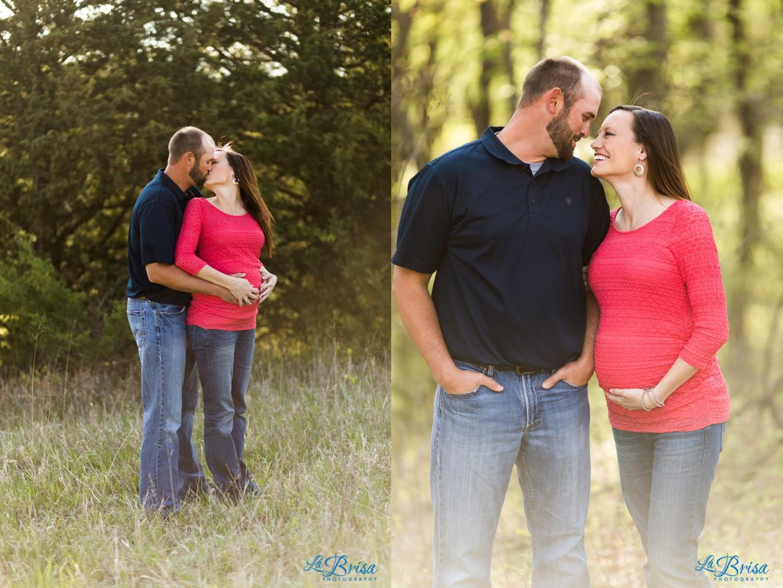 Maternity Open Field Red Top Jeans Open Field Kansas Emma York La Brisa Photography