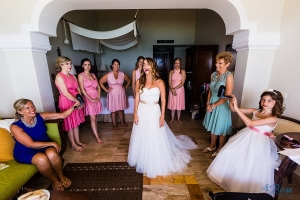 bride being fanned now sapphire riviera cancun destination wedding