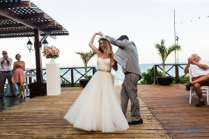 bride groom first dance tequila terrace now sapphire cancun