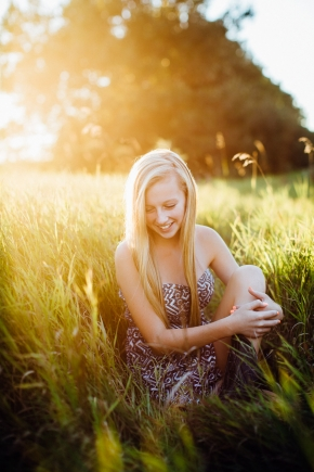 Omaha NE Senior Portraits Style Session La Brisa Photography Lindsay